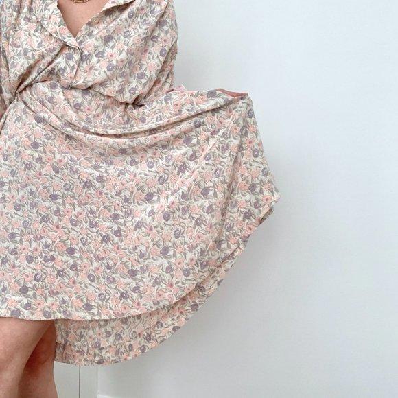 Vintage Dresses & Skirts - Vintage Dolman Relaxed Floral Print Dress